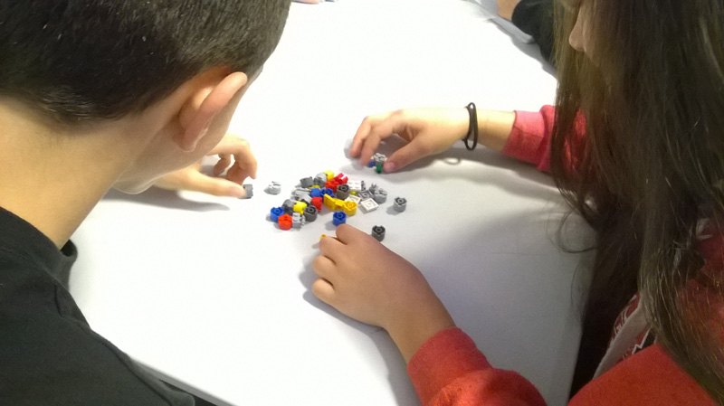 Taller con LEGO para comprender el funcionamiento de los anticuerpos